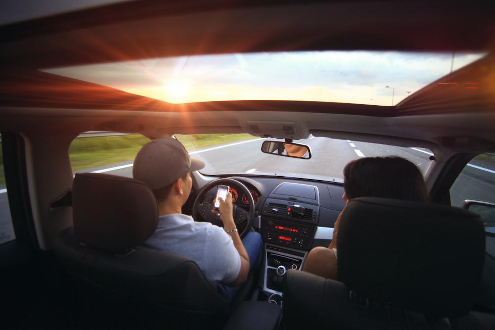 Smartphone en el vehículo