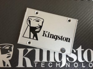 4 - Kingston SSDNow UV400